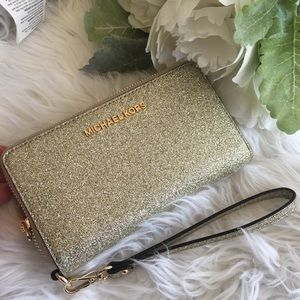 Michael Kors giftables flat phone gold wallet